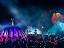 Saurussen, feniksen: Close-Act uit Tilburg maakt grote spektakels op stelten