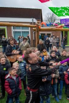 Een piñata voor het nieuwe schoolplein van D'n Bogerd