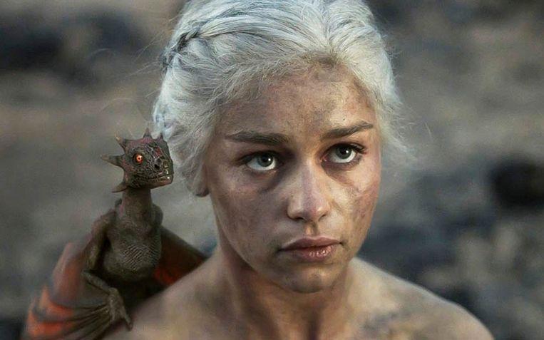 Emilia Clarke in 'Game of Thrones'. Het laatste seizoen wordt in april uitgezonden.
