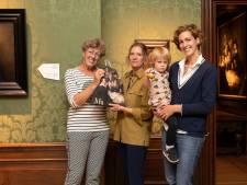 Mauritshuis begroet 350.000ste bezoeker bij Rembrandt-tentoonstelling