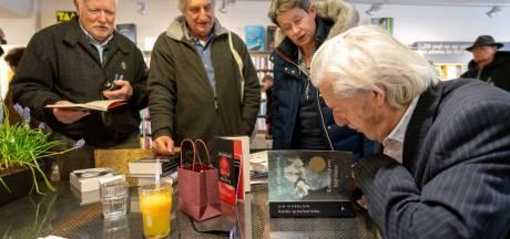 Siebelink signeert zwierig zijn boeken, van Doetinchem tot Nijmegen en Veenendaal