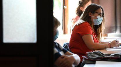 """Onderwijsbonden waarschuwen: """"Emmer van leerkrachten is al vol"""""""