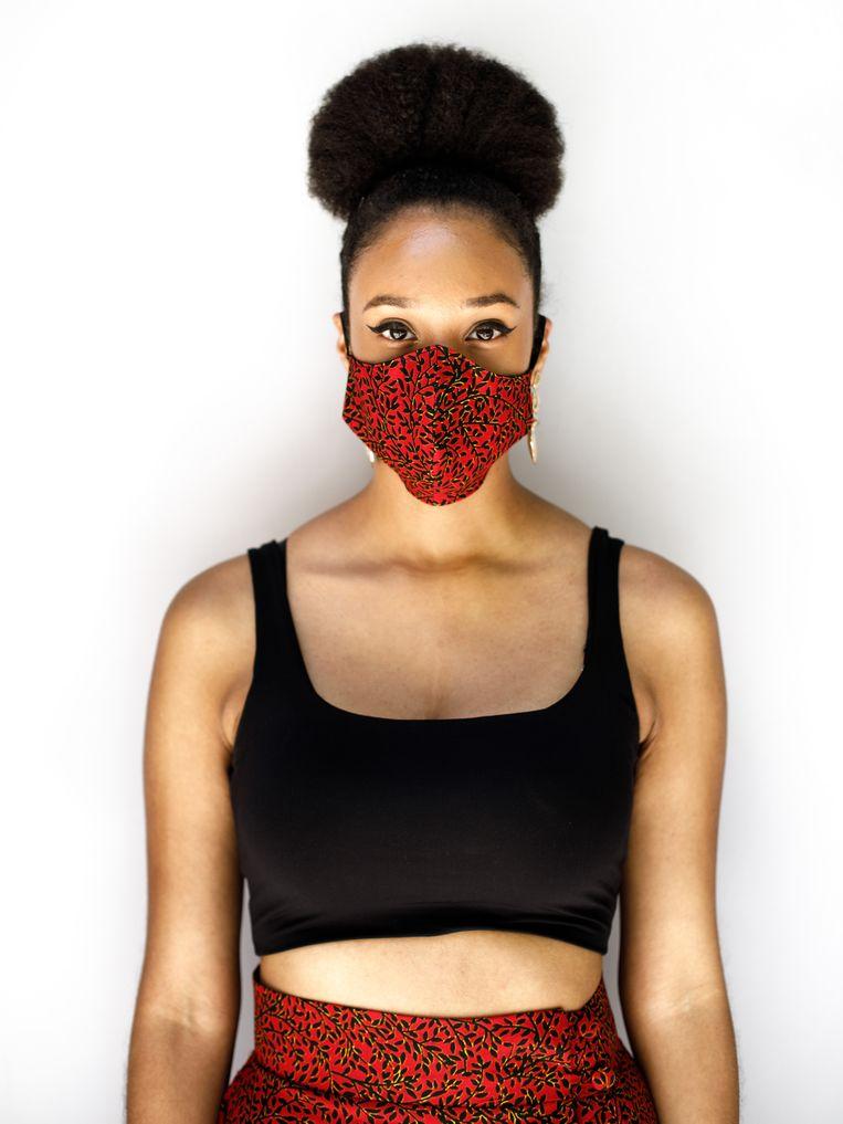 Herisa Stanislaus (31): 'Dit mondkapje staat goed bij mijn rok, het is van dezelfde stof'   Beeld César Dezfuli