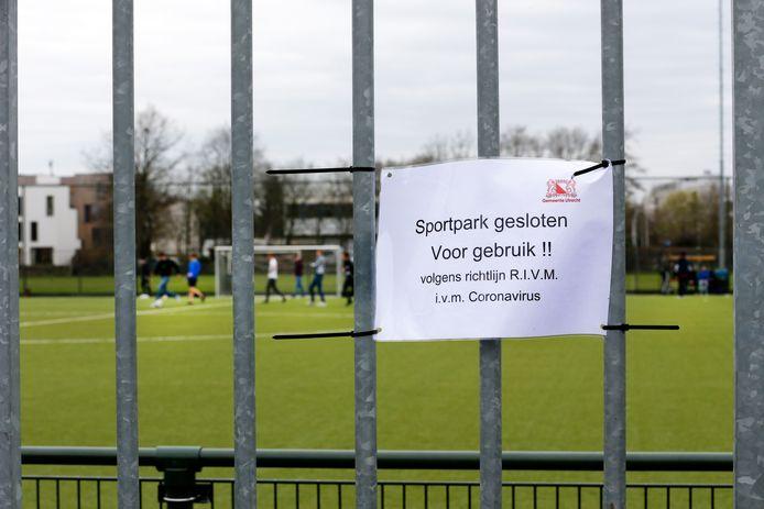 Clubs in Vijfheerenlanden willen voorkomen dat de sportparken op slot moeten. Foto ter illustratie.
