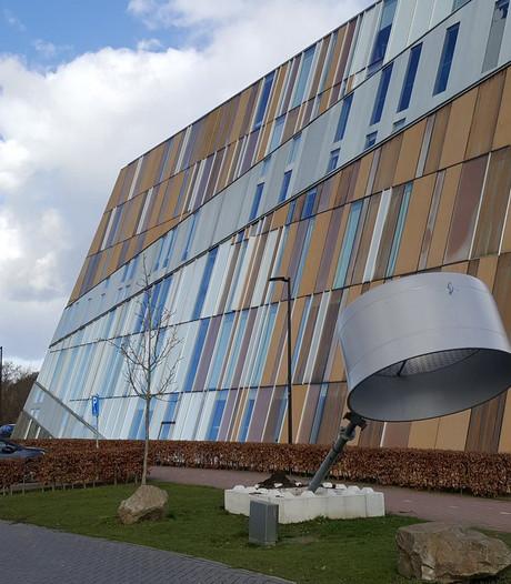 Windmolen omgewaaid bij Metzo in Doetinchem