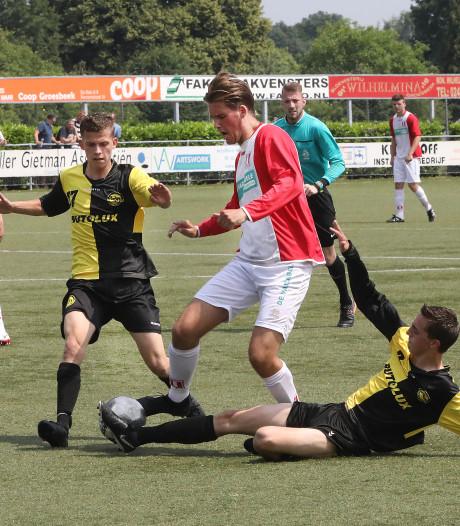 4E: Groesbeekse Boys koploper na winst in topper, Nijmegen wint doelpuntenfestijn