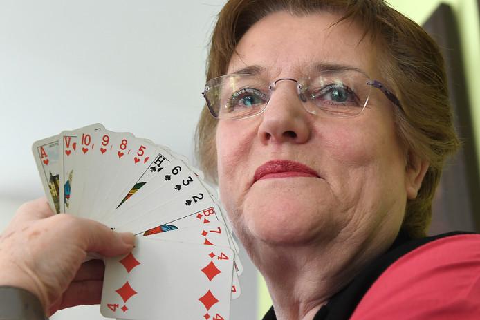 Gerda Crooijmans, voorzitter van de Overloonse Bridge Club.