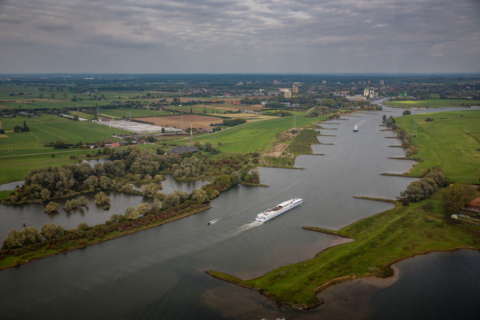De Nederrijn vanuit de lucht. Foto ter illustratie.