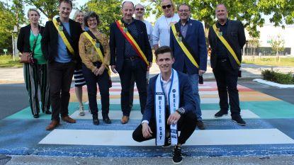 Strijd tegen homofobie: Eeklo krijgt eerste regenboogzebrapad in het Meetjesland