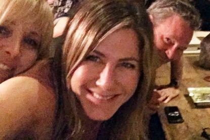 """Fans ontdekken """"coke"""" op 'Friends'-foto Jennifer Aniston en staan compleet versteld"""