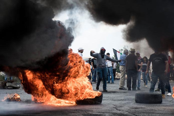 Betogers in Ramallah raken slaags met Israëlische soldaten
