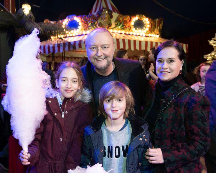Acteur Luk Wyns was van de partij met echtgenote Eleni en hun kinderen Sasja en Nana.
