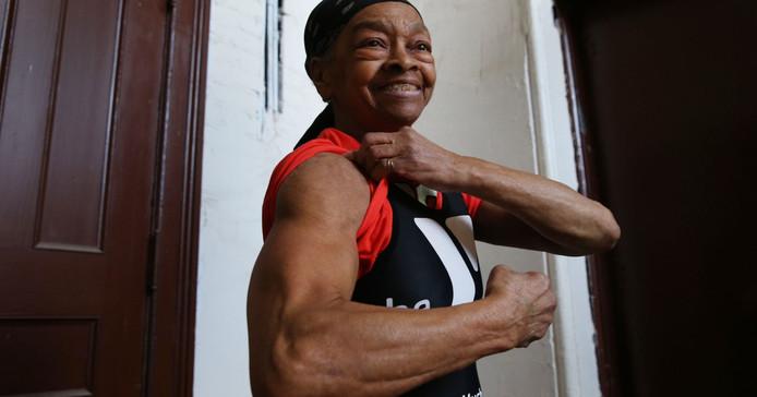Willie Murphy, 82 ans, affiche une musculature qui en ferait rêver plus d'un.