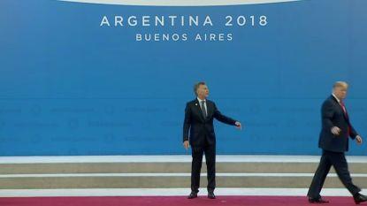 Oeps: Trump laat Argentijnse president alleen achter op podium