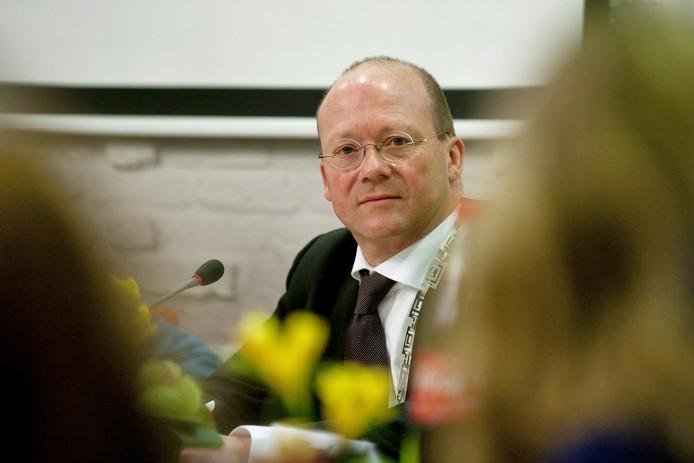 Ook burgemeester Maarten Divendal krijgt het drukker na het vertrek van wethouder Marja Becker.