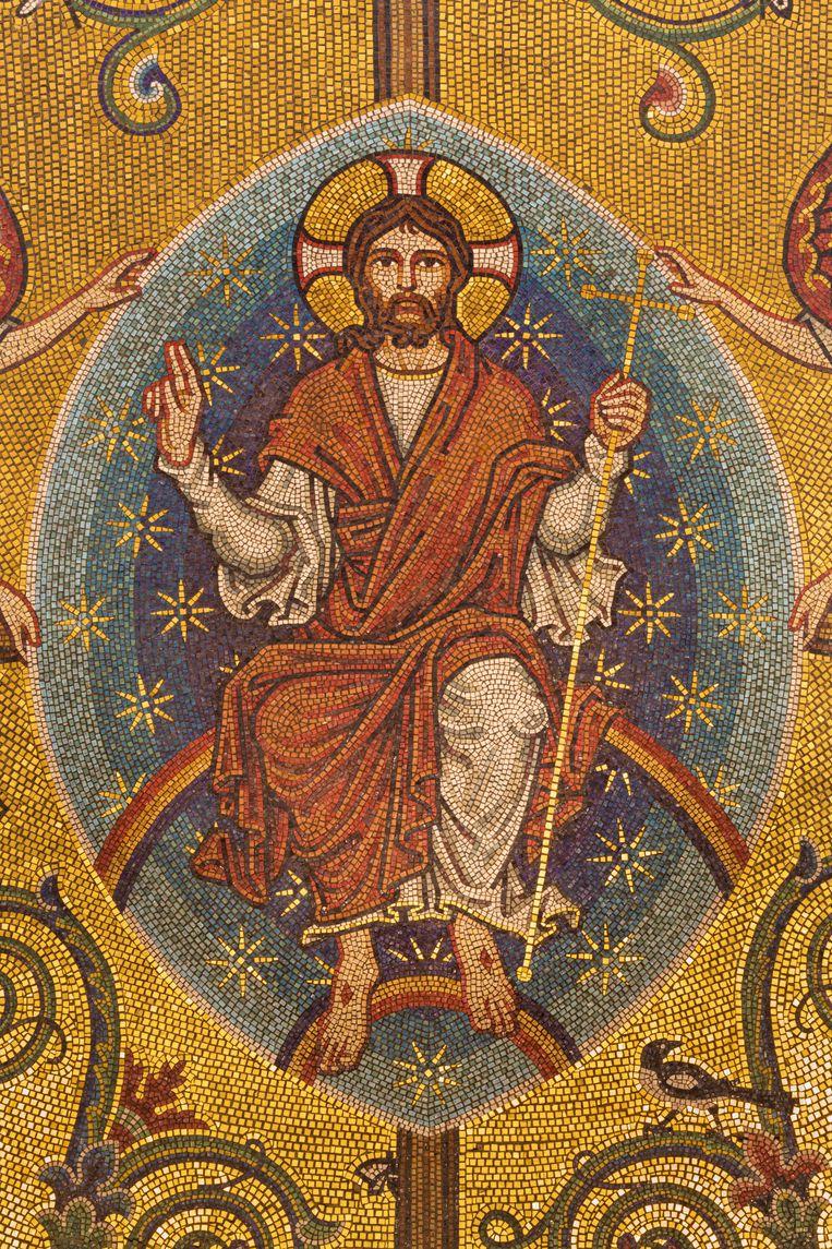 Mozaïek van Jezus Christus de Pantokrator in Westminster Cathedral, Londen, vervaardigd door John Bentley, eind 19de eeuw. Beeld Getty