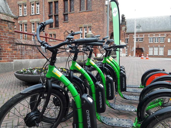 Het plan om de bereikbaarheid in Waalwijk te verbeteren met de verhuur van oplaadbare stepjes en fietsen won dinsdag 15.000 euro bij het Smart Mobility Event.