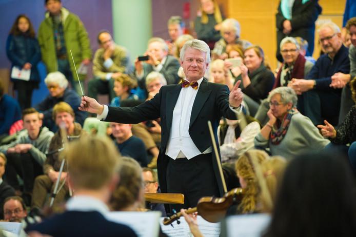 John Berends met het Serious Orkest voor Serious Request.