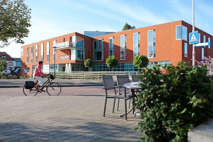 In woonzorginstelling Meesplein in Leerdam zijn zo'n 25 bewoners en medewerkers besmet met het coronavirus.
