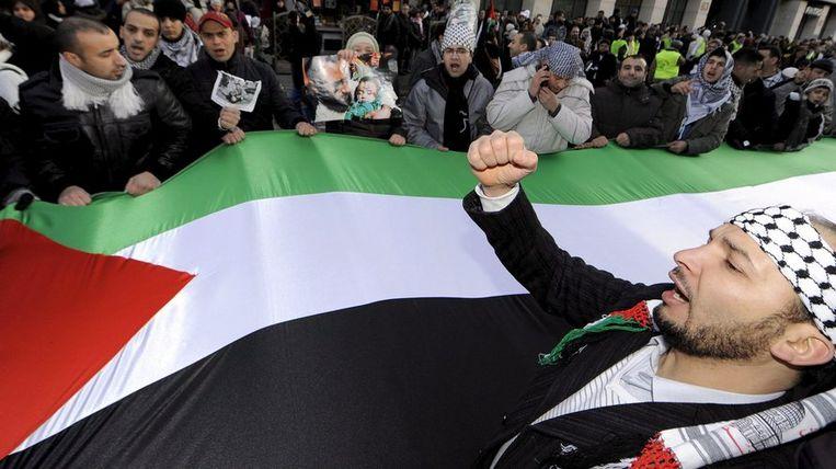 Afgelopen zondag protesteerden 30.000 mensen in Brussel tegen de aanvallen van Israël. Foto EPA/Benoit Doppagne Beeld