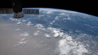 Ruimtebeeld toont hoe grootste zandwolk van voorbije 50 jaar naar VS trekt