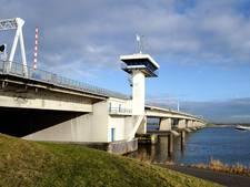 Bruggen Flevoland blijven dicht vanwege harde wind