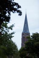 DS-2019-3798 - Baak - KPN en gemeente Bronckhorst willen antenne op Sint Martinuskerk in Baak zetten. Op dit moment is er niet genoeg bereik om in noodgevallen 112 te bellen. Er was maandagavond een informatieavond voor omwonenden in zaal Herfkens.