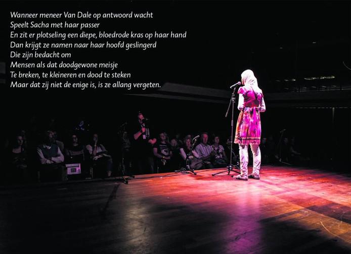 Selma Oueddan uit Breda maakte indruk met haar performance tijdens Kunstbende 2016 en werd derde in de categorie Taal tijdens de landelijke finale. FOTO Marcel Krijgsman
