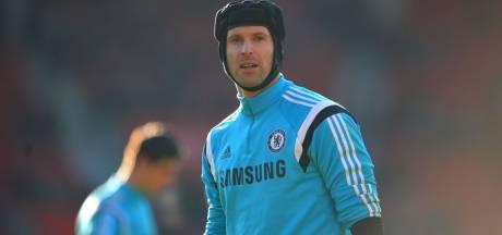 Pourtant retraité, Peter Cech figure sur la liste des joueurs de Chelsea pour le championnat