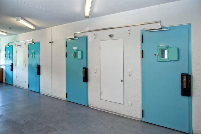 Een cellenblok in de gevangenis van Vught.