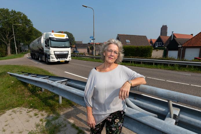 Plaatselijk Belang met voorzitter Anneke Tuinstra, strijdt al lang voor een snelheidsverlaging op de N351 langs Kuinre.