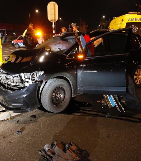 Een gewonde bij ongeval met drie auto's in Veldhoven