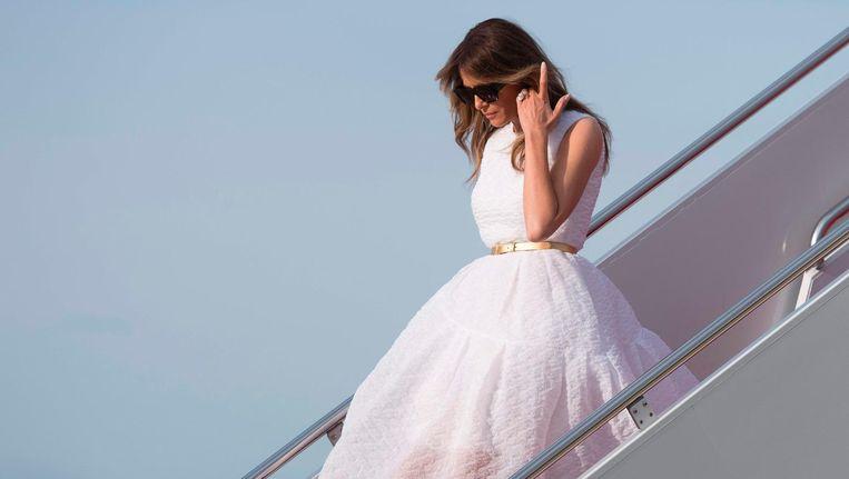 Melania Trump stapt uit Air Force One. Beeld afp