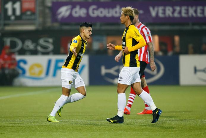 Navarone Foor lost Keisuke Honda bij Vitesse af voor de centrale rol op het middenveld.