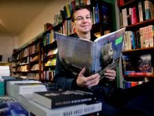In boekwinkel 't Ramsjgat op de Voorstraat is het al 25 jaar nooit saai