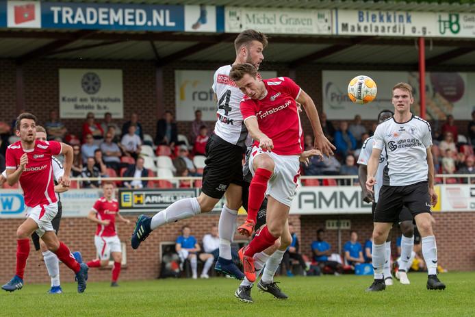 AZSV speelde bij Berkum met 2-2 gelijk. Foto Jan van den Brink