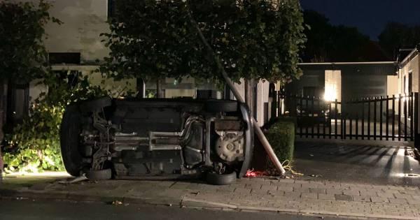 Twee personen meegenomen naar politiebureau na ongeval in Oldenzaal.