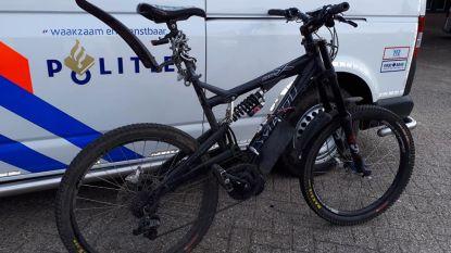 Zelfgebouwde 'e-bike' moet op de rollen: haalt 50 km/h en wordt in beslag genomen