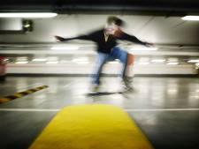 'Agressieve' skater (18) uit Lelystad verzet zich hevig bij arrestatie in Haagse parkeergarage