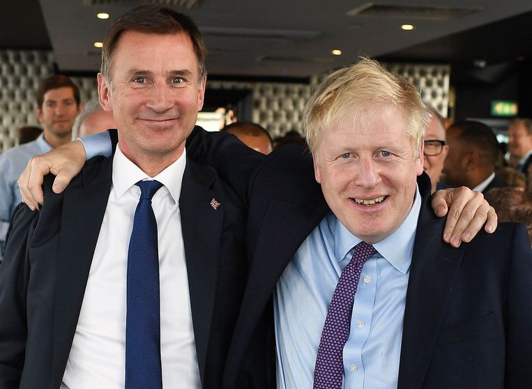 Twee kandidaten zijn nog in de race: Jeremy Hunt, en favoriet Boris Johnson.