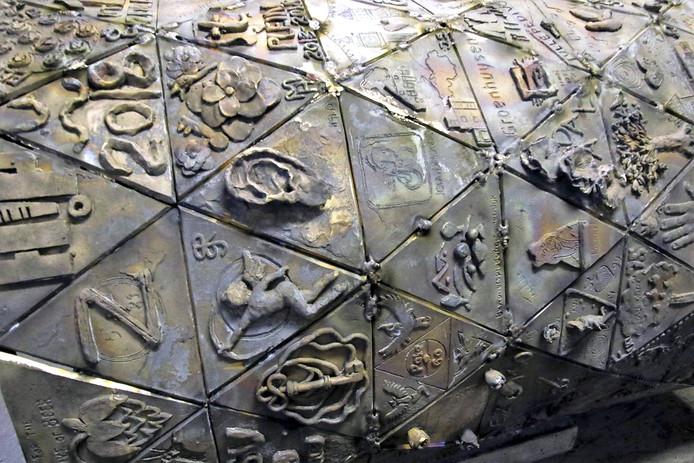 Kunstenaars d'Ouwe Sok zitten weer op schema, alle driehoeken af