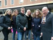 Almelose Noordikleerlingen bij herdenking Holocaust in Münster