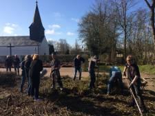 Puttenaren leggen ontmoetingstuin aan in Ladelund