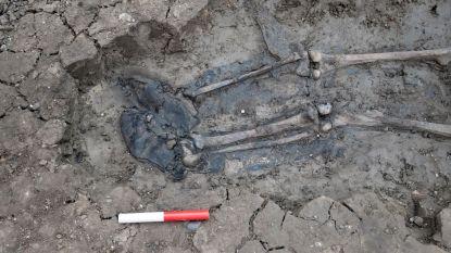 Taaie leren laarzen samen met restanten van skelet gevonden in rivier Theems