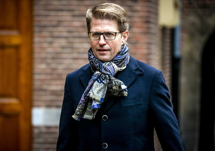 Sander Dekker, minister voor Rechtsbescherming, op het Binnenhof.