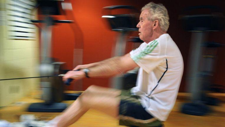 Fitness voor ouderen in Den Haag. Beeld Marcel van den Bergh / de Volkskrant