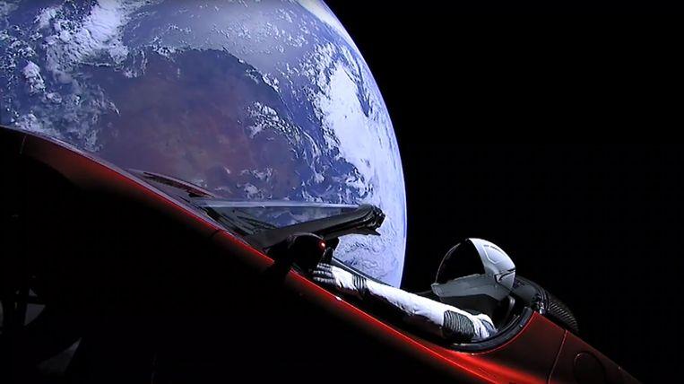 Elon Musk doopte de pop achter het stuur van de Tesla Roadster om tot Starman.