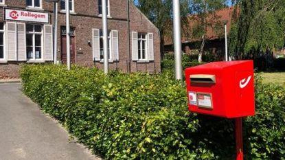 """Rollegem heeft na anderhalf jaar weer rode brievenbus: """"Vooral voor senioren een must"""""""