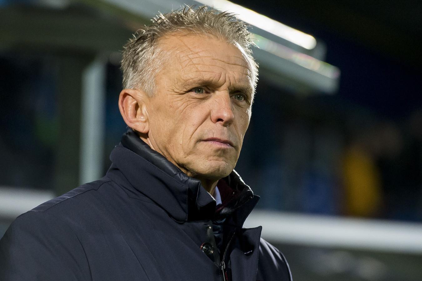 Edward Sturing is in het nieuwe seizoen geen trainer meer van Vitesse.