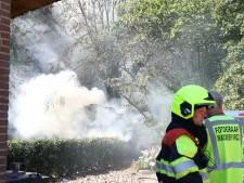 Houten schuur in Echteld in brand